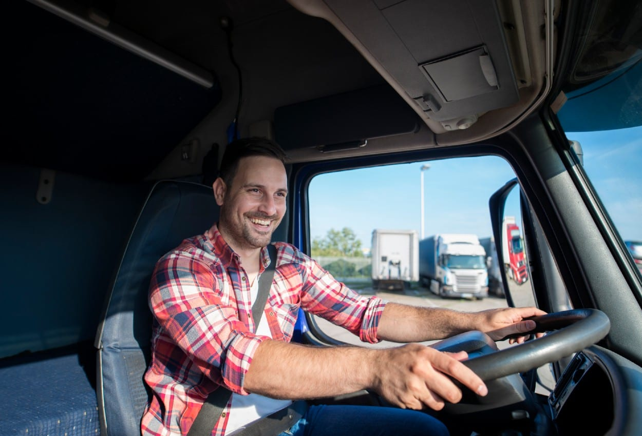 Daimler Trucks impulsa la capacitación de operadores